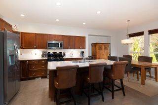 """Photo 7: 28 ALDER Drive in Port Moody: Heritage Woods PM House for sale in """"FOREST EDGE"""" : MLS®# R2587809"""