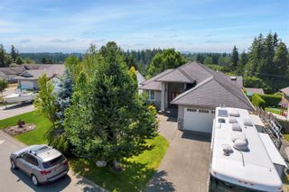 Photo 1: 260 Stratford Dr in : CR Campbell River Central House for sale (Campbell River)  : MLS®# 880110