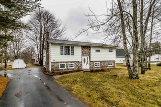 Photo 1: 966 Pine Street in Greenwood: 404-Kings County Residential for sale (Annapolis Valley)  : MLS®# 202106560