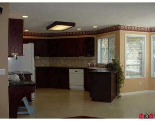 "Photo 2: 18236 CLAYTONHILL Drive in Surrey: Cloverdale BC House for sale in ""Claytonhill"" (Cloverdale)  : MLS®# F2811117"