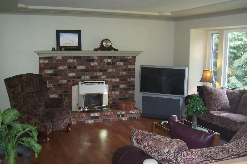 """Photo 4: Photos: 4411 196A Street in Langley: Brookswood Langley House for sale in """"Brookswood"""" : MLS®# F2712641"""