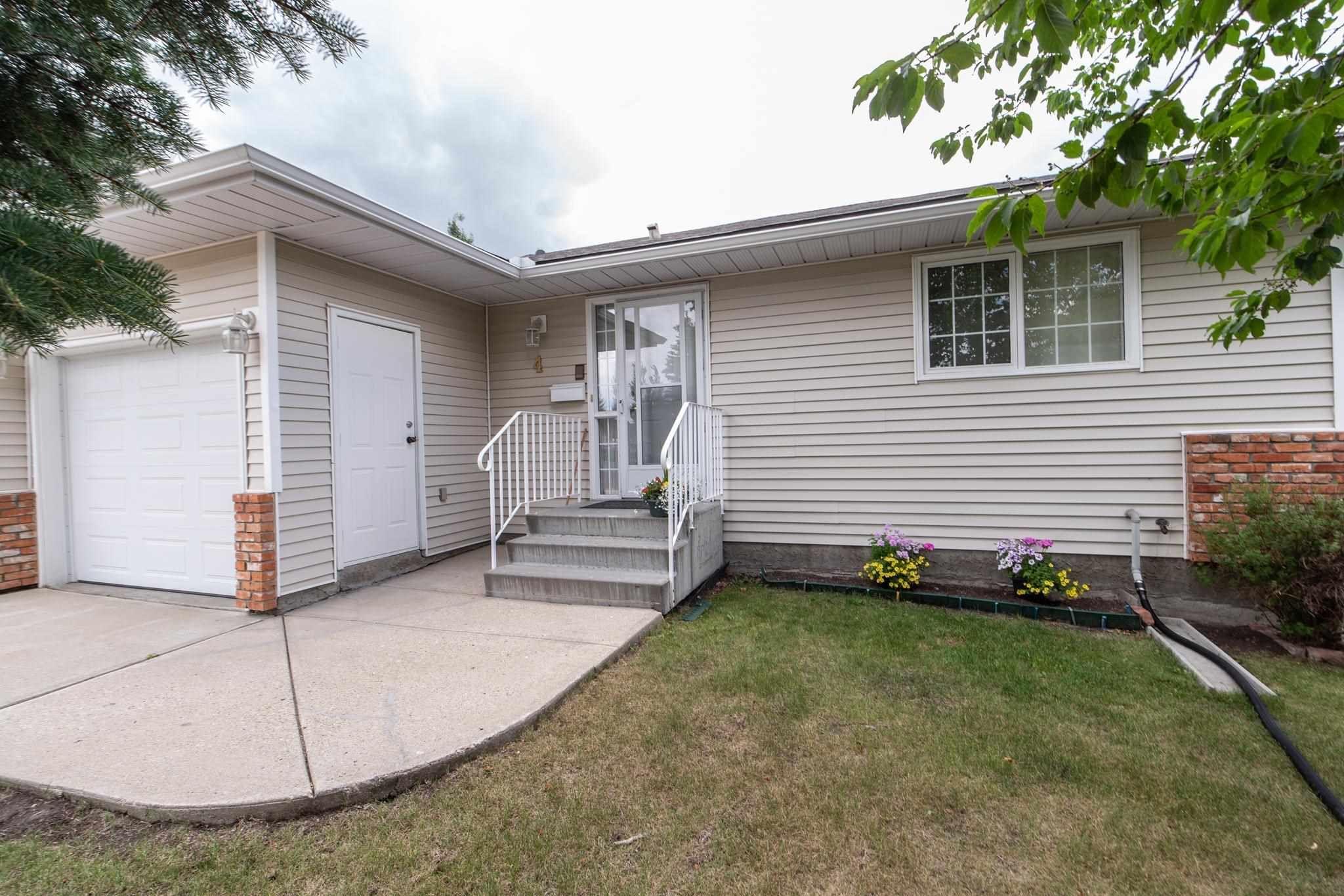 Main Photo:  in Edmonton: Zone 29 House Half Duplex for sale : MLS®# E4253072