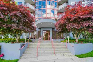 """Photo 3: 803 38 LEOPOLD Place in New Westminster: Downtown NW Condo for sale in """"THE EAGLE CREST"""" : MLS®# R2584446"""