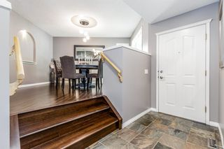 Photo 3: 949 Panorama Hills Drive NW in Calgary: Panorama Hills Detached for sale : MLS®# A1118058