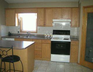 Photo 4: 730 KNOWLES Avenue in Winnipeg: North Kildonan Single Family Detached for sale (North East Winnipeg)  : MLS®# 2603327