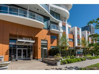 "Photo 2: 805 13303 CENTRAL Avenue in Surrey: Whalley Condo for sale in ""WAVE"" (North Surrey)  : MLS®# R2276360"