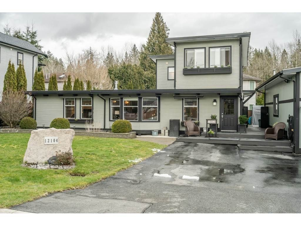 Main Photo: 12104 250 Street in Maple Ridge: Websters Corners House for sale : MLS®# R2544763