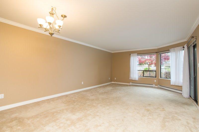 "Photo 11: Photos: 309 1353 VIDAL Street: White Rock Condo for sale in ""SEA PARK WEST"" (South Surrey White Rock)  : MLS®# R2516122"