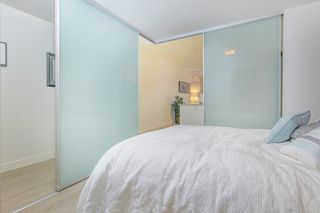 """Photo 8: 303 2141 E HASTINGS Street in Vancouver: Hastings Sunrise Condo for sale in """"The Oxford"""" (Vancouver East)  : MLS®# R2431561"""