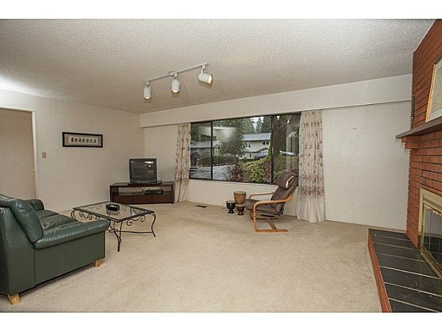 Photo 3: Photos: 1719 PETERS Road in North Vancouver: Lynn Valley House for sale : MLS®# V1105416