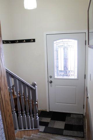 Photo 2: 31 KERRY Crescent in Mackenzie: Mackenzie -Town House for sale (Mackenzie (Zone 69))  : MLS®# R2585127