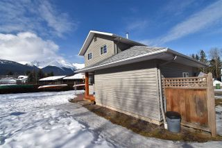 """Photo 31: 1420 SUNNY POINT Drive in Smithers: Smithers - Town House for sale in """"Silverking"""" (Smithers And Area (Zone 54))  : MLS®# R2546950"""