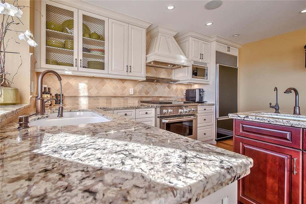 Photo 15: Photos: 153 SIGNATURE Close SW in Calgary: Signal Hill Detached for sale : MLS®# C4283177