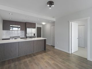 """Photo 8: 906 3281 E KENT NORTH Avenue in Vancouver: South Marine Condo for sale in """"RHYTHM BY POLYGON"""" (Vancouver East)  : MLS®# R2447202"""