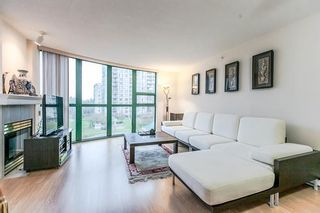 """Photo 3: 404 1199 EASTWOOD Street in Coquitlam: North Coquitlam Condo for sale in """"THE SELKIRK"""" : MLS®# R2151321"""