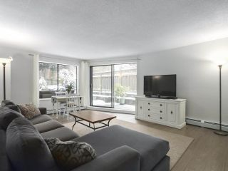 "Photo 2: 114 1844 W 7TH Avenue in Vancouver: Kitsilano Condo for sale in ""CRESTVIEW MANOR"" (Vancouver West)  : MLS®# R2427922"