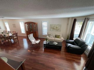 Photo 5: 376 Ormsby Road in Edmonton: Zone 20 House for sale : MLS®# E4255674