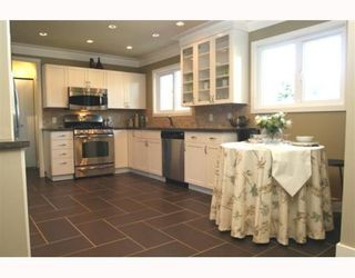 Photo 3: 1398 FARRELL Avenue in Tsawwassen: Beach Grove House for sale : MLS®# V786180