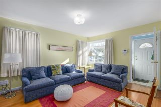 Photo 3: 2011 VENABLES Street in Vancouver: Hastings House for sale (Vancouver East)  : MLS®# R2342560