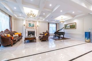 Photo 3: 6397 CHARING Court in Burnaby: Buckingham Heights House for sale (Burnaby South)  : MLS®# R2618237