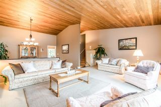 Photo 3: 6399 PARKVIEW PLACE in Burnaby: Upper Deer Lake House for sale (Burnaby South)  : MLS®# R2348530