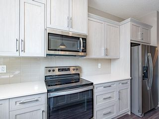 Photo 5: 37 SKYVIEW Parade NE in Calgary: Skyview Ranch Row/Townhouse for sale : MLS®# C4295842