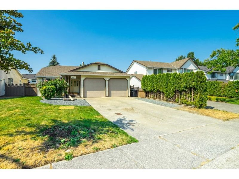 FEATURED LISTING: 26459 32A Avenue Langley