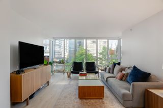"""Photo 4: 506 950 CAMBIE Street in Vancouver: Yaletown Condo for sale in """"Pacific Place Landmark I"""" (Vancouver West)  : MLS®# R2616028"""