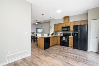 """Photo 8: 9 6588 188TH Street in Surrey: Cloverdale BC Townhouse for sale in """"Hillcrest"""" (Cloverdale)  : MLS®# R2538977"""