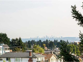 Photo 12: # 412 2800 CHESTERFIELD AV in North Vancouver: Upper Lonsdale Condo for sale : MLS®# V1085675