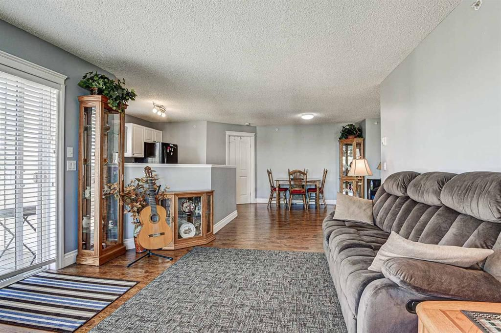 Photo 6: Photos: 414 6000 Somervale Court SW in Calgary: Somerset Apartment for sale : MLS®# A1126946