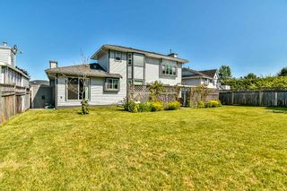 Photo 19: 9381 160A Street in Surrey: Fleetwood Tynehead House for sale : MLS®# R2188719