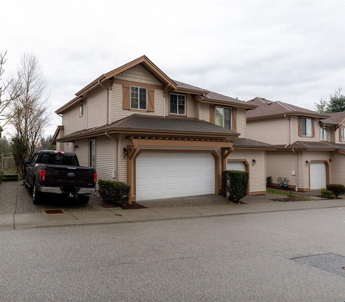 """Main Photo: 8 35287 OLD YALE Road in Abbotsford: Abbotsford East Townhouse for sale in """"The Falls"""" : MLS®# R2423306"""