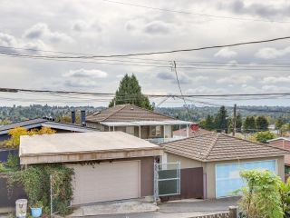 """Photo 17: 2928 E 6TH Avenue in Vancouver: Renfrew VE House for sale in """"RENFREW"""" (Vancouver East)  : MLS®# R2620288"""