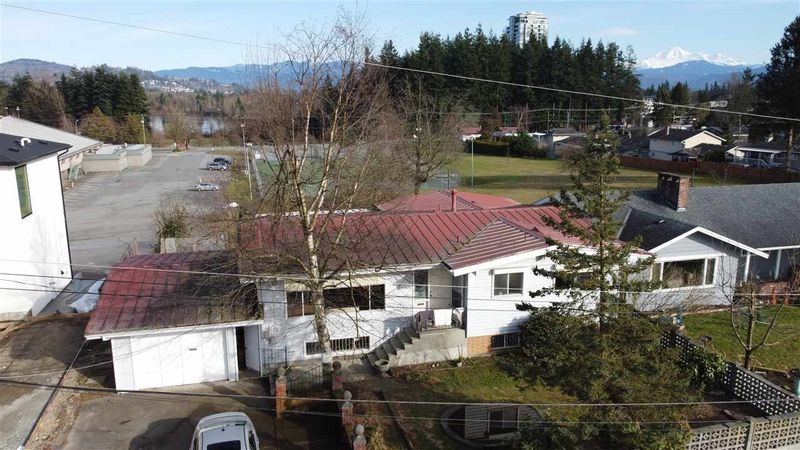 FEATURED LISTING: 2302 RIDGEWAY Street Abbotsford