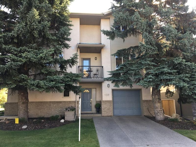 FEATURED LISTING: 137 23 Avenue Northeast Calgary