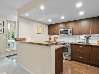 """Photo 6: 169 MILROSS Avenue in Vancouver: Downtown VE Townhouse for sale in """"Creekside at Citygate"""" (Vancouver East)  : MLS®# R2622901"""