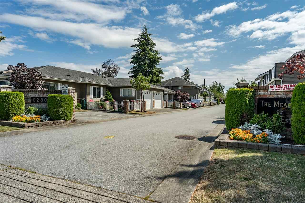 """Main Photo: 3 6280 48A Avenue in Delta: Holly Townhouse for sale in """"GARDEN ESTATES"""" (Ladner)  : MLS®# R2478484"""