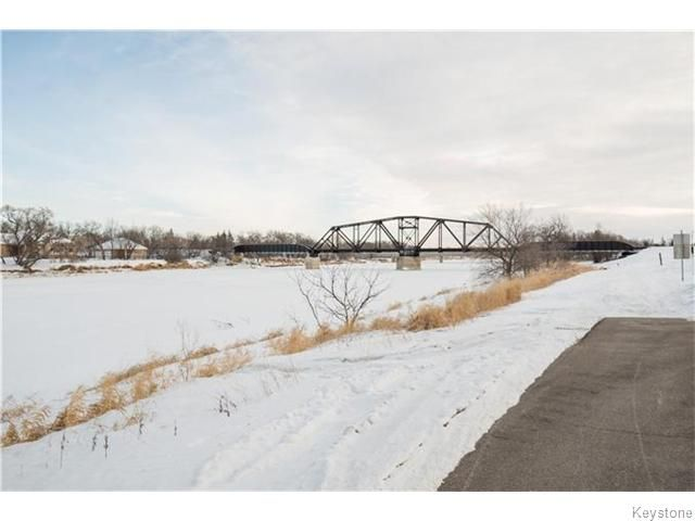 Photo 2: Photos: 8428 ROBLIN Boulevard in HEADINGLEY: Headingley South Residential for sale (South Winnipeg)  : MLS®# 1601053