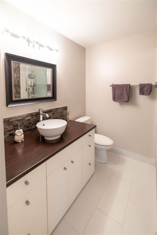 "Photo 14: A107 4811 53 Street in Delta: Hawthorne Condo for sale in ""Ladner Pointe"" (Ladner)  : MLS®# R2448968"