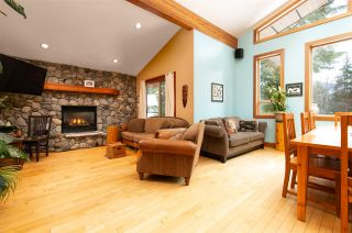 """Photo 7: 8349 NEEDLES Drive in Whistler: Alpine Meadows House for sale in """"ALPINE MEADOWS"""" : MLS®# R2328390"""