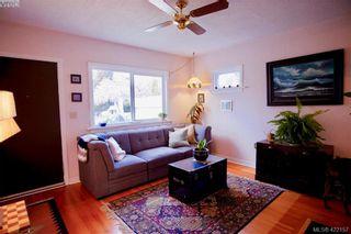 Photo 2: 1339 Finlayson St in VICTORIA: Vi Mayfair House for sale (Victoria)  : MLS®# 835577