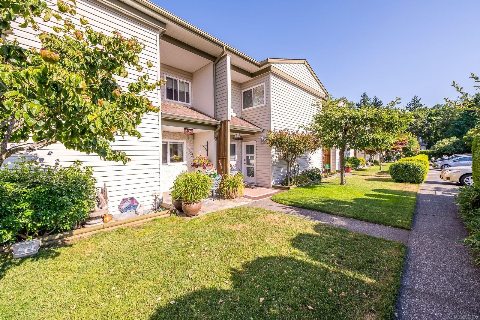 Main Photo: 304 1537 Noel Ave in : CV Comox (Town of) Row/Townhouse for sale (Comox Valley)  : MLS®# 881399