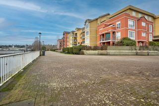 """Photo 34: 411 7 RIALTO Court in New Westminster: Quay Condo for sale in """"Murano Lofts"""" : MLS®# R2625495"""