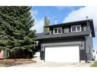 Photo 1: 121 CARR Crescent: Okotoks House for sale : MLS®# C4081929