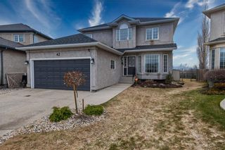 Photo 1: 42 Knightswood Court in Winnipeg: Whyte Ridge Residential for sale (1P)  : MLS®# 202008618