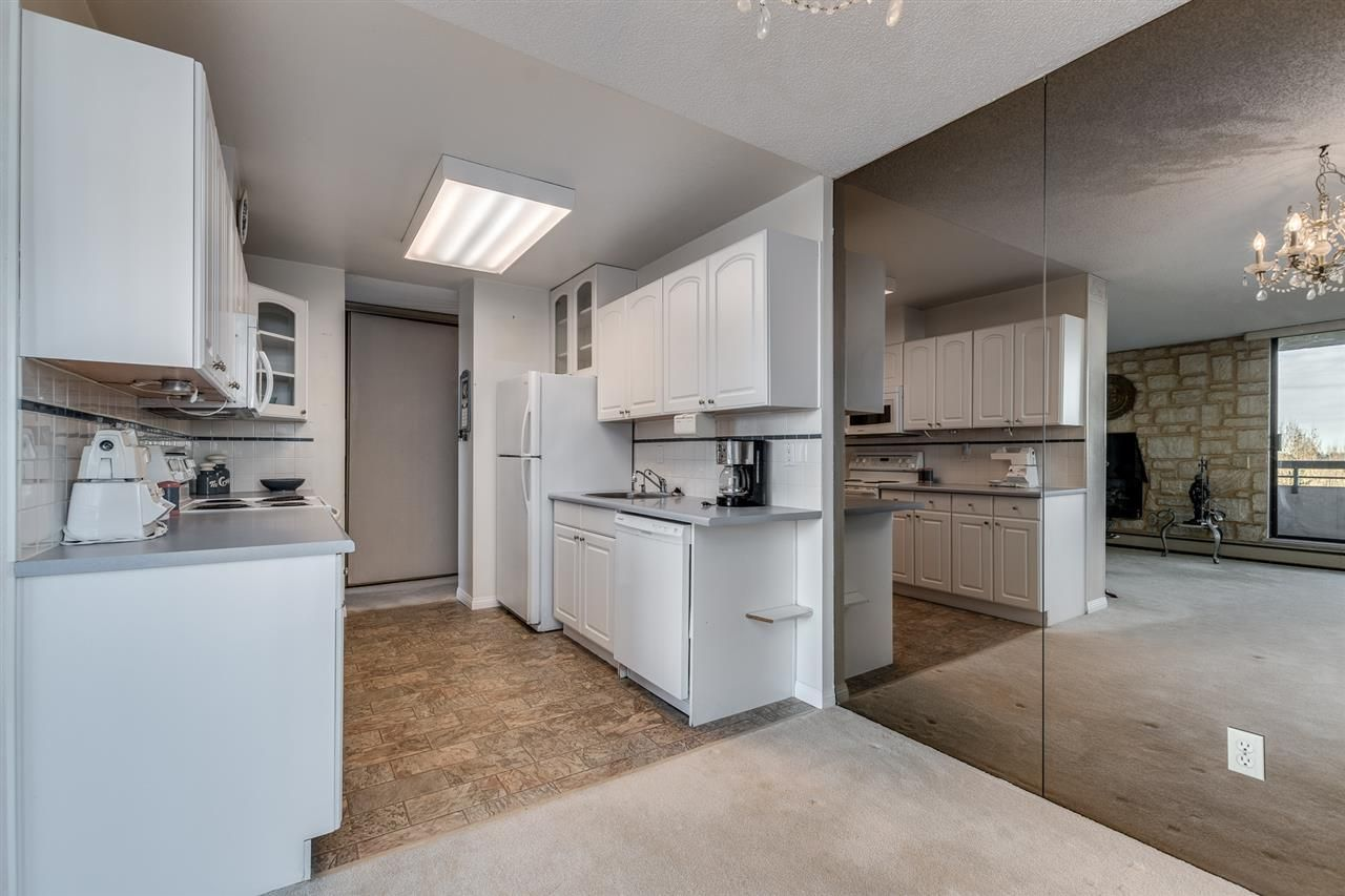 """Photo 8: Photos: 1004 3737 BARTLETT Court in Burnaby: Sullivan Heights Condo for sale in """"MAPLES AT TIMBERLEA"""" (Burnaby North)  : MLS®# R2522473"""
