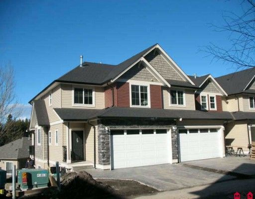 """Main Photo: 26 46832 HUDSON Road in Sardis: Promontory Townhouse for sale in """"CORNERSTONE HAVEN"""" : MLS®# H1000736"""