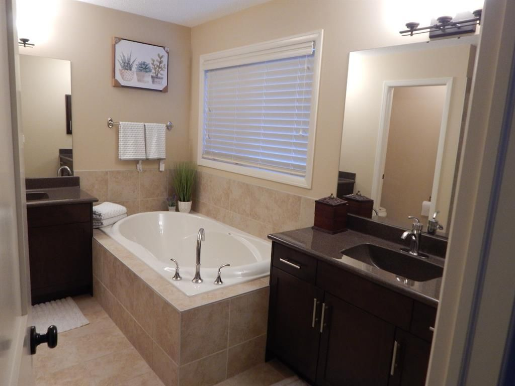 Photo 30: Photos: 215 Panatella View in Calgary: Panorama Hills Detached for sale : MLS®# A1046159