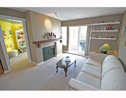 """Photo 4: Photos: 408 1438 PARKWAY Boulevard in Coquitlam: Westwood Plateau Condo for sale in """"THE MONTREUX"""" : MLS®# V733478"""